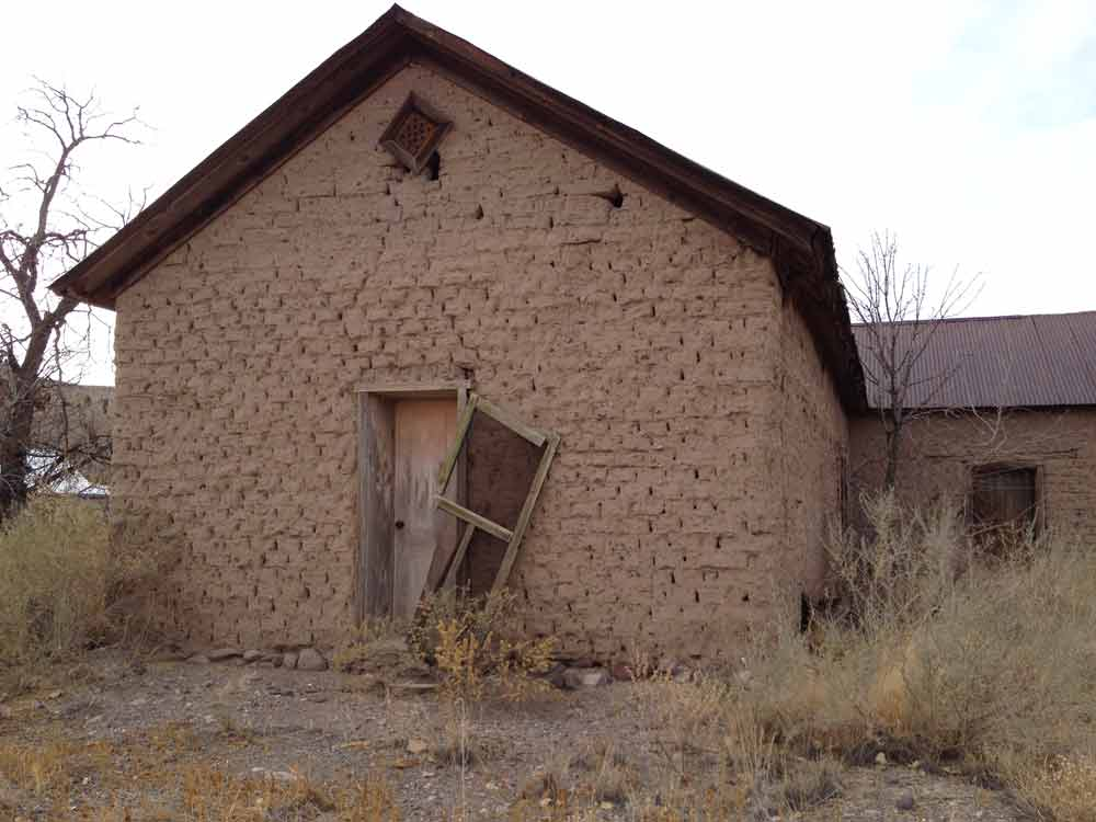 adobe building in Placitas