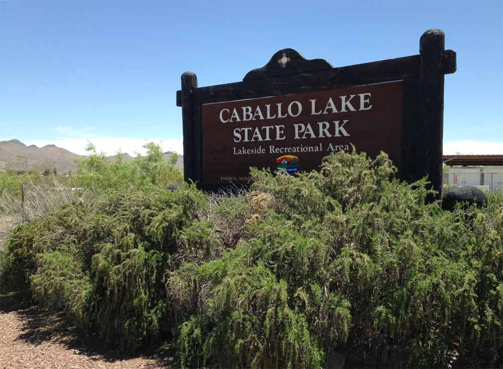 turnoff to Caballo Lake State Park